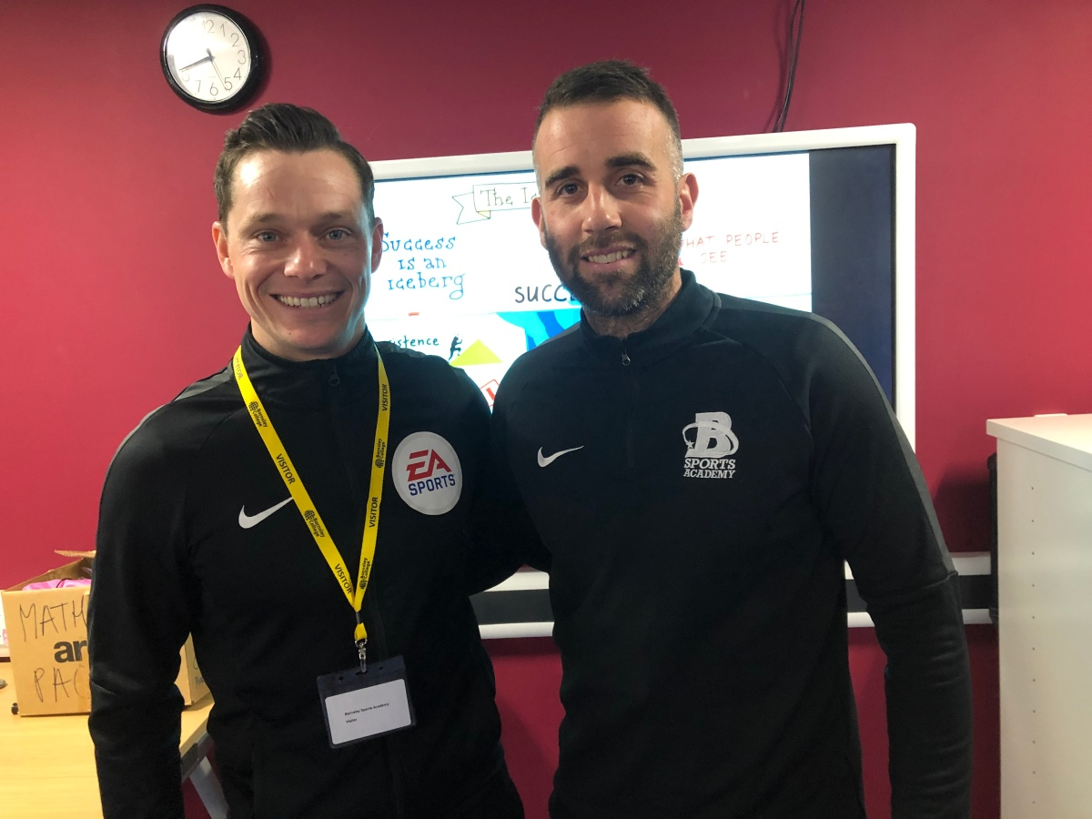 Football League Referee returns to College to give talk to students